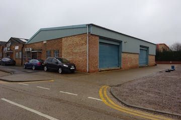 Units 26 & 27 - Raynham Industrial Estate, Raynham Road, Bishop Stortford, Warehouse & Industrial To Let - DSC01582.JPG