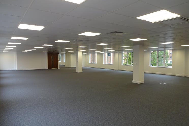 Betchworth House, 57-65 Station Road, Redhill, Offices To Let - DSC01686.JPG